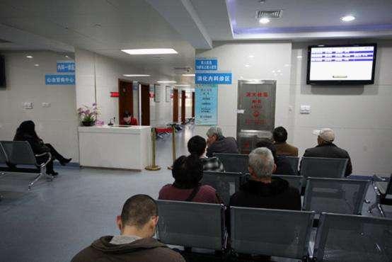 显示屏在医院排队叫号系统中的作用